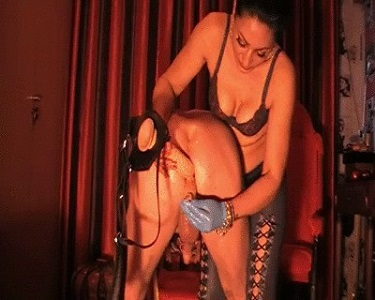 Mistress Anita – pantyhose Play With Shit