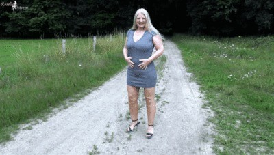 Outdoor Horny Shitting And Pissg Next To The Highway