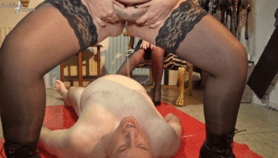 Fat Piss-beam For A Slave-mouth