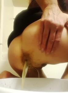 Silicone Goddess Shitting And Enema In Bathtub