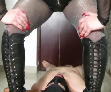 Goddess Andreea Is Back-toilet Humiliation Part 1