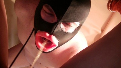 Mistress Anita – Pee Drinking And Diarrhea Chewing