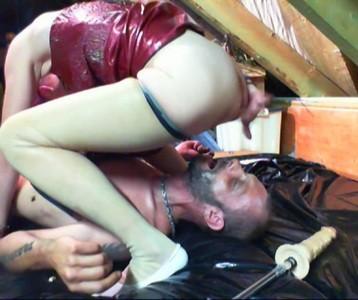 Perverse Lady Darlin Record More Bizarre Action