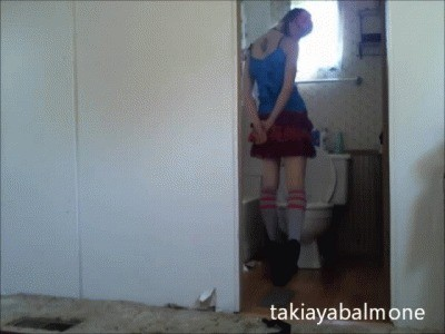 Voyeur Bathroom Wetting – Urinating From A Voyeurs Point Of View