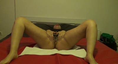 Mistress Roberta- Shitting In Bed