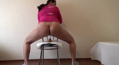 Mistress Roberta – New Chair To Poop On