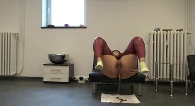 Mistress Roberta – double Portion Of Diarrhea For Breakfast