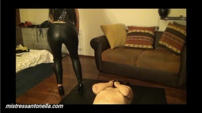 Farts Caviar Party For My Slave By Mistress Antonella
