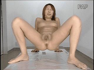 Oishi Sayaka Pooping 1