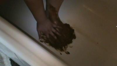 Scat In Bathtub