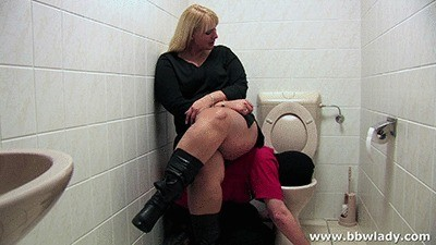 Cathy Orders Her Slave To Eat From The Toilet
