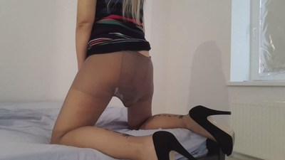 Sexypantyhoseheelspoop