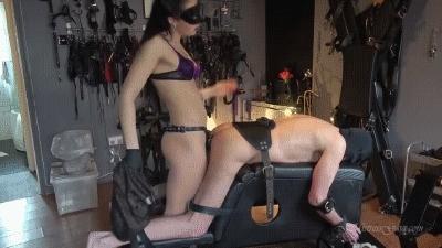 Mistress Gaia – Pain Or Pee