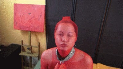 Scat Slave Victoria In Red Nylons