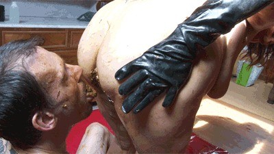 Scat Games With Tattooed Guy – 2